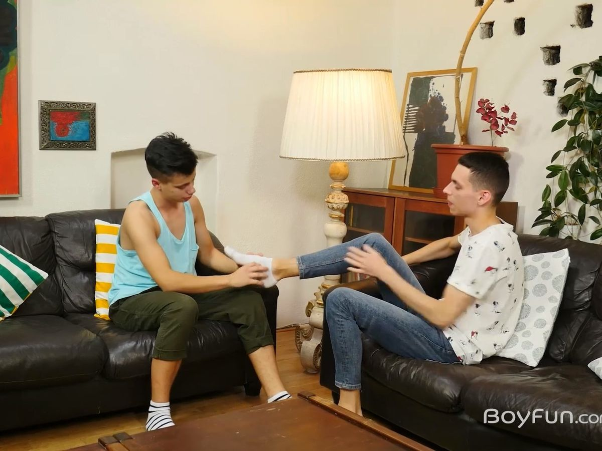Austin Cook and Darin Boswell - Sometimes you need a way to break the ice and get some BoyFun started, especially when your friend is a straight